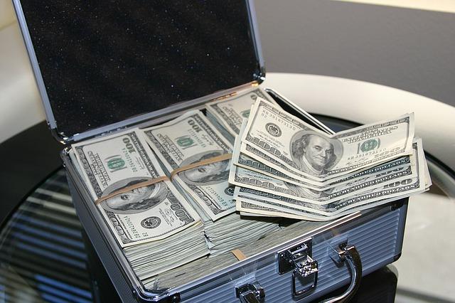milion dolarů